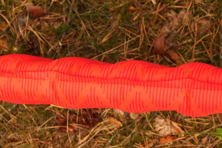 De Therm-a-Rest ProLite Apex heeft een beetje en wafel of spare rib vorm.