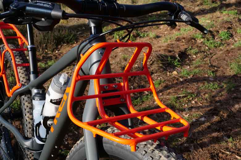 The front rack's shape is like an excavator: super!